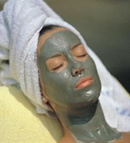 Facial Treatment with Natural Face Masks